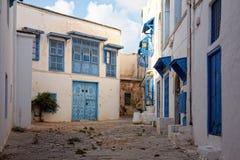 Διπλανός δρόμος σε Sidi Bou εν λόγω, Τυνησία, Τυνησία Στοκ εικόνες με δικαίωμα ελεύθερης χρήσης