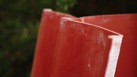 Διπλωμένα κεραμίδια στεγών r Υλικά αποθηκών εμπορευμάτων Δομικό υλικό επιτροπής υλικού κατασκευής σκεπής χάλυβα σχεδιαγράμματος φ απόθεμα βίντεο