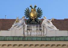 Διπλός-διευθυνμένος γλυπτό αετός, παλάτι Hofburg, Βιέννη στοκ φωτογραφία