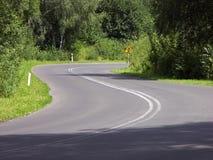 διπλός δρόμος κάμψεων στοκ εικόνες με δικαίωμα ελεύθερης χρήσης