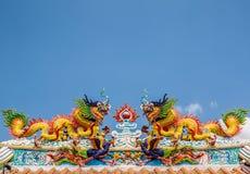 Διπλός δράκος στην κινεζική στέγη ναών Στοκ φωτογραφίες με δικαίωμα ελεύθερης χρήσης