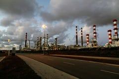 διυλιστήριο πετρελαίου νύχτας στοκ φωτογραφία με δικαίωμα ελεύθερης χρήσης