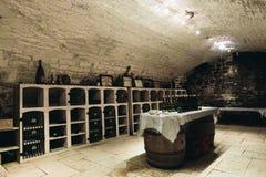 Δοκιμάζοντας δωμάτιο στο κελάρι κρασιού Στοκ εικόνα με δικαίωμα ελεύθερης χρήσης