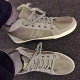 Δοκιμάστε τα παπούτσια Στοκ φωτογραφία με δικαίωμα ελεύθερης χρήσης