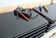 Δοκιμή και επισκευή lap-top Στοκ Εικόνα