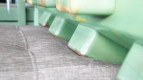 Δοκιμή καναπέδων απόθεμα βίντεο