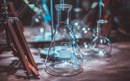 Δοκιμή του σωλήνα γυαλιού στο εργαστήριο στοκ εικόνα