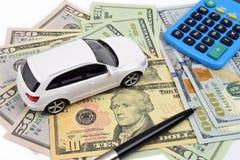 Δολάριο χρηματοδότησης αυτοκινήτων στοκ φωτογραφία με δικαίωμα ελεύθερης χρήσης