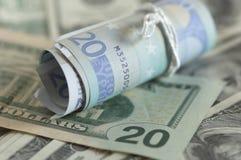 Δολ ΗΠΑ σημειώσεων ευρώ Στοκ Εικόνες