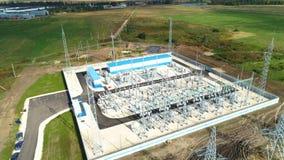 Δομές μετάλλων βιομηχανικών κτηρίων στον ηλεκτρικό υποσταθμό απόθεμα βίντεο
