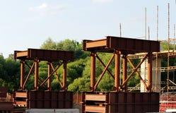 Δομές μετάλλων για την κατασκευή μιας γέφυρας στην οδική σύνδεση στη Μόσχα Στοκ Εικόνα