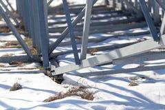 Δομή μετάλλων στο χιόνι το χειμώνα Στοκ Εικόνα