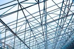 Δομή στυλοβατών μετάλλων της σύγχρονης στέγης γυαλιού αρχιτεκτονικής γραφείων Στοκ Φωτογραφία