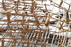 Δομικά υλικά φραγμών χάλυβα στο εργοτάξιο οικοδομής Στοκ Φωτογραφία