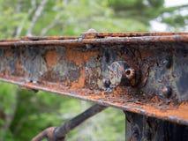 Δομικός χάλυβας γεφυρών που οξυδώνει λόγω της μεγάλης ηλικίας Στοκ φωτογραφία με δικαίωμα ελεύθερης χρήσης