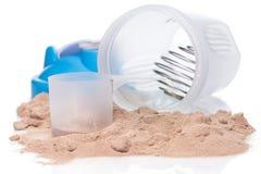 Δονητής και πρωτεϊνική σκόνη Στοκ φωτογραφία με δικαίωμα ελεύθερης χρήσης