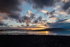 Δονούμενο ηλιοβασίλεμα πέρα από τον ήχο Puget Στοκ φωτογραφίες με δικαίωμα ελεύθερης χρήσης