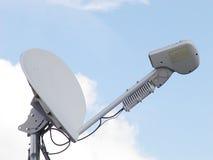 δορυφόρος πιάτων υπολογιστών Στοκ εικόνα με δικαίωμα ελεύθερης χρήσης