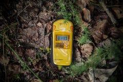 Δοσίμετρο που παρουσιάζει υψηλά επίπεδα της ακτινοβολίας στοκ φωτογραφία