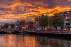Δουβλίνο τη νύχτα, Ιρλανδία Στοκ φωτογραφία με δικαίωμα ελεύθερης χρήσης
