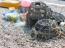 Δοχεία καβουριών ή αστακών και καθαρός για τα ψάρια Στοκ φωτογραφία με δικαίωμα ελεύθερης χρήσης