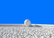 Δοχείο αργίλου ως στοιχείο σχεδίου Στοκ φωτογραφία με δικαίωμα ελεύθερης χρήσης