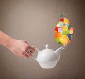 Δοχείο καφέ με τις ζωηρόχρωμες λεκτικές φυσαλίδες Στοκ φωτογραφία με δικαίωμα ελεύθερης χρήσης