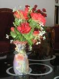 Δοχείο τεχνητών λουλουδιών Στοκ Εικόνες