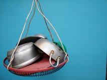 Δοχείο, τηγάνι, στο βραχίονα του Δ Ι Υ Στοκ φωτογραφία με δικαίωμα ελεύθερης χρήσης