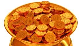 Δοχείο του χρυσού με Bitcoins Στοκ Εικόνες