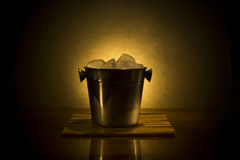 Δοχείο ψύξης με τον πάγο Στοκ Εικόνες