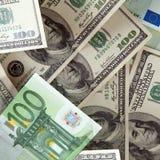 Δολάρια και ευρώ Στοκ Εικόνες