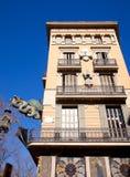 Δράκος οδών της Βαρκελώνης Ramblas σε Plaza Boqueria Στοκ Εικόνες