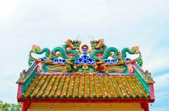 Δράκος στην κινεζική στέγη ναών Στοκ φωτογραφίες με δικαίωμα ελεύθερης χρήσης