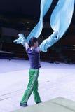 Δράστης στο acrobatics πρόβας Στοκ Φωτογραφία