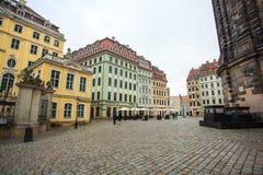 22 01 2018 Δρέσδη, Γερμανία - ζωηρόχρωμα κτήρια σε Neumarkt τετράγωνο Στοκ εικόνες με δικαίωμα ελεύθερης χρήσης