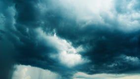 Δραματικά σύννεφα βροχής, χρόνος-σφάλμα απόθεμα βίντεο