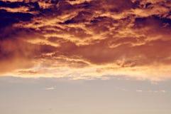 Δραματικά σύννεφα της προσέγγισης της θύελλας Στοκ Εικόνες