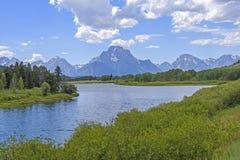 Δραματική αιχμή σε μια κάμψη ποταμών Στοκ φωτογραφία με δικαίωμα ελεύθερης χρήσης