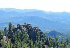 Δραματική κορυφογραμμή βουνών στο κρατικό πάρκο Custer, νότια Ντακότα στοκ εικόνα με δικαίωμα ελεύθερης χρήσης