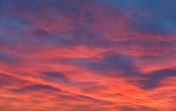 Δραματικός ουρανός ηλιοβασιλέματος και ανατολής Στοκ Φωτογραφίες