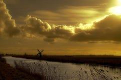 δραματικός ουρανός μύλων Στοκ Φωτογραφίες