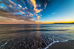 Δραματικός ουρανός πέρα από την ακτή Alghero Στοκ Εικόνες