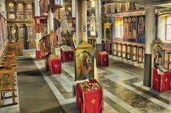 Δραματικό ζωηρόχρωμο εσωτερικό της εκκλησίας Στοκ εικόνα με δικαίωμα ελεύθερης χρήσης