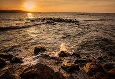Δραματικό ηλιοβασίλεμα στη θάλασσα Στοκ εικόνα με δικαίωμα ελεύθερης χρήσης