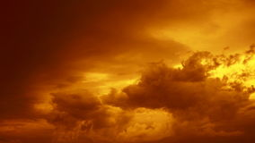 Δραματικό ηλιοβασίλεμα και cloudscape απόθεμα βίντεο