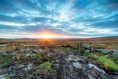Δραματικό ηλιοβασίλεμα πέρα από Dartmoor Στοκ φωτογραφία με δικαίωμα ελεύθερης χρήσης