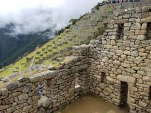Δραματικό Machu Picchu στα σύννεφα στοκ φωτογραφία