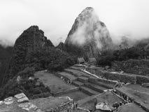 Δραματικό Machu Picchu στα σύννεφα στοκ φωτογραφίες