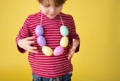 Δραστηριότητα και τέχνες Πάσχας παιδιών Στοκ εικόνες με δικαίωμα ελεύθερης χρήσης